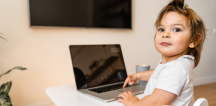 How to Get a Toddler to Sit Still During an Online Class – Let the Experts Guide You
